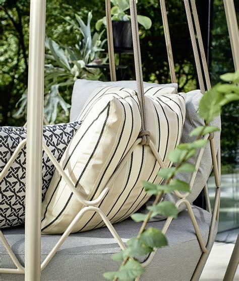 Outdoor Pleasure: Gravity Swing-Sofa - Decoholic