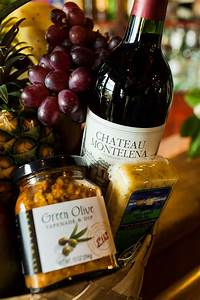 Aloha Wine Gift Basket   Delivery available   The Wine ...