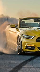 Ford-Mustang-Gt-Convertible-Burnout-iPhone-Wallpaper