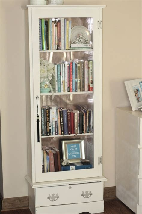Small Bookshelf Cabinet by 25 Best Ideas About Small Bookshelf On