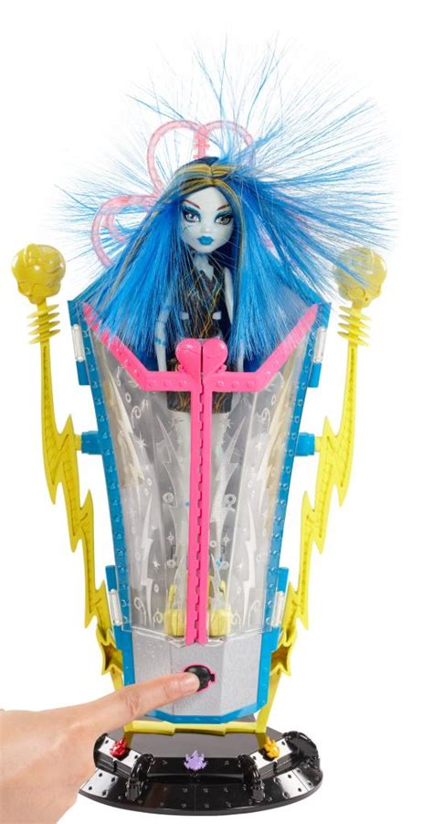Amazon.com: Monster High Freaky Fusion Recharge Chamber