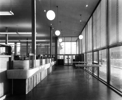 bureau de poste hotel de ville bureau de poste ville mont royal 1955 a49montreal