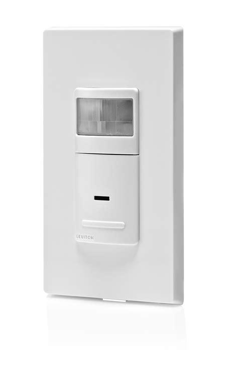 motion sensor light switch leviton ips15 1lz 1800 watt incandescent 600 watt led cfl