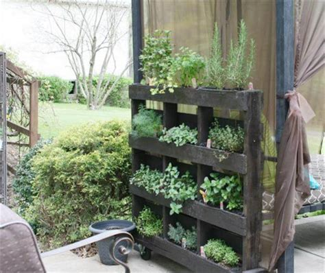 Vertical Herb Garden Pallet by Diy Wood Pallet Herb Garden Tutorial