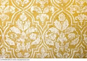 elegant GOLD wallpaper ... http://www.google.com/imgres ...