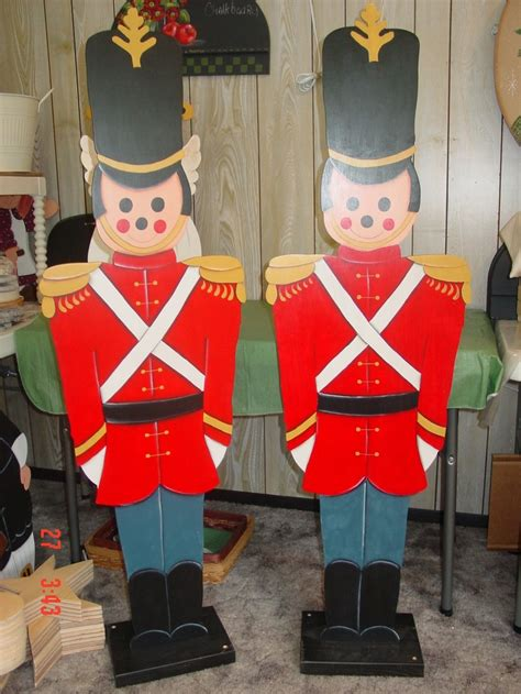 custom designed hand painted toy soldiers  judy mullins