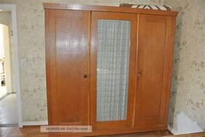 Großer Kleiderschrank Schlafzimmer : gro er alter massiver antiker schlafzimmer schrank kleiderschrank ~ Markanthonyermac.com Haus und Dekorationen