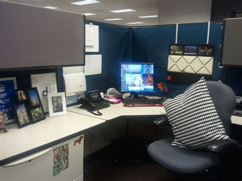desk decorations for guys 20 cubicle decor ideas to make your office style work as