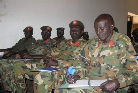 senior south sudanese army officers urged   united