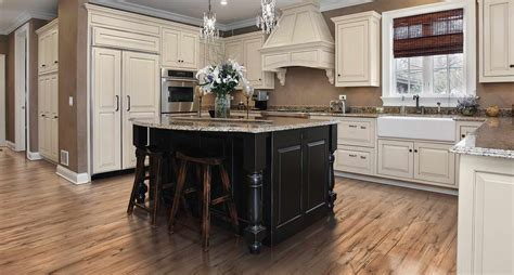 pergo flooring cabinets lowes laminate hardwood flooring buy pergo 174 at lowes pergo flooring