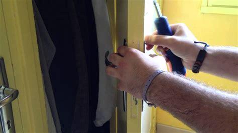 notice montage cuisine mobalpa changer porte de cuisine great venez voir la collection duedro en salle de montre with changer