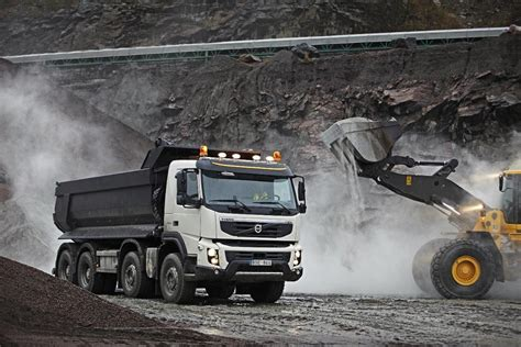 who makes volvo trucks new volvo fmx truck to make uk debut in june autoevolution