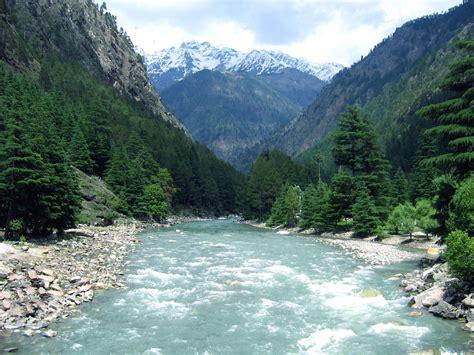 destination guide  rishikesh adventurenationcom