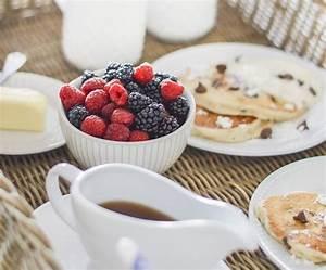 Idee Petit Dejeuner : petit d jeuner au lit six id es pour un petit d jeuner savoureux et quilibr ~ Melissatoandfro.com Idées de Décoration