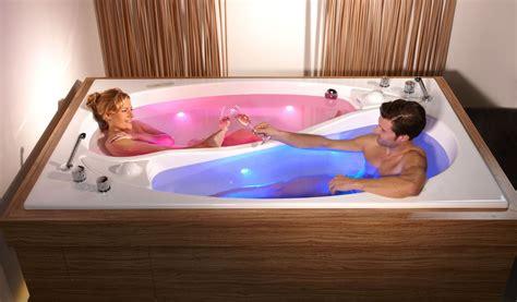 wellness badewanne f 252 r 2 personen badezimmer ideen yin yang