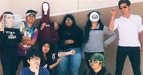 Meme Dress Up - long live these high schoolers who dressed up as memes