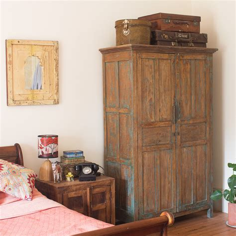 Vintage Bedroom Furniture by Vintage Bedroom Inspiration Antique Chests Vintage Boxes