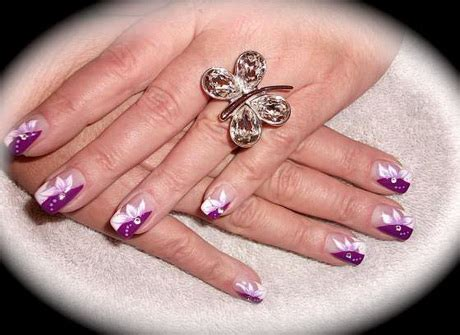 nageldesign french weiss muster