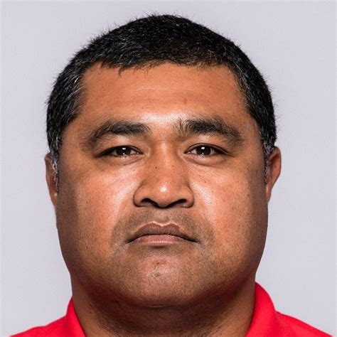 Wallabies great toutai kefu is fighting for his life in hospital after being stabbed by home invaders when he rushed to defend his family during a 3am home invasion. Tonga - Effectif & Groupe des Sélectionnables