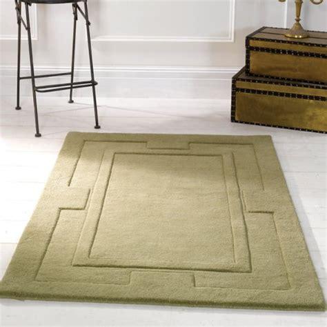 tapis fushia pas cher tapis design salon pas cher tapis fushia tapis noir blanc