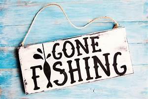Gone Fishing Mini Wood Sign - diycandy com