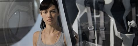 oblivion actress julia olga kurylenko talks oblivion how her bond experience