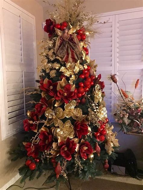 decoracion de arboles con cinta arboles de navidad rojo y dorado decorados 2018 arboles de