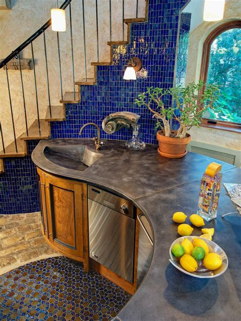 hgtvs  kitchen countertop pictures color material