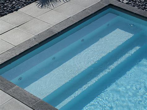 escalier piscine piscines et traditions