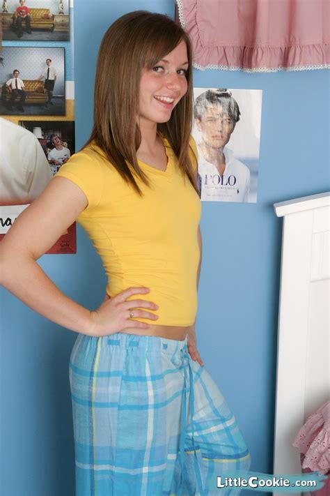 lesbian pantie wearing new porno