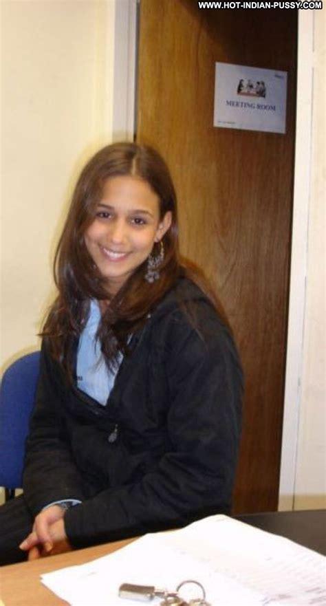 Toni Indian Softcore Amateur Girlfriend Teen Secretary