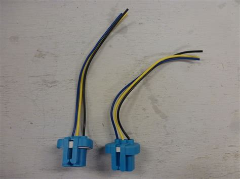 1987 1997 ford bronco and f series truck headlight plugs