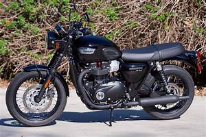 2017 Triumph Bonneville T100 Black Review | Dark, Good Times