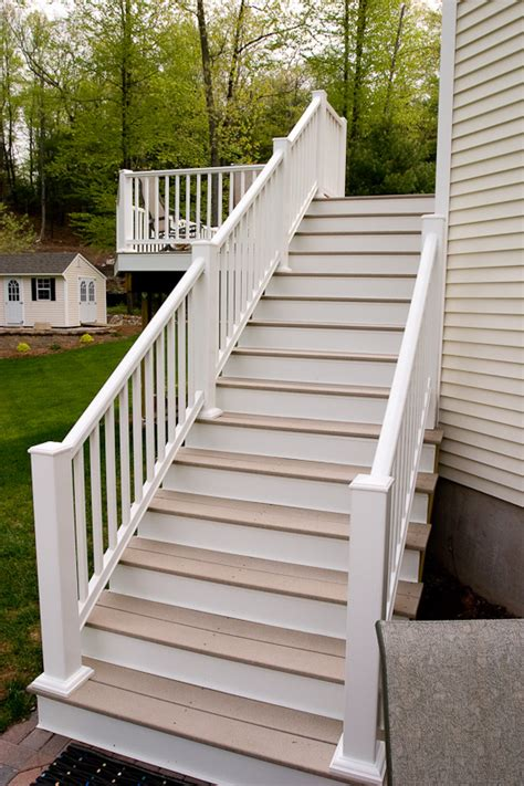 Installing Trex Decking On Stairs by Composite Deck Stairs Pictures To Pin On Pinsdaddy