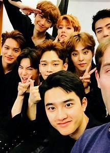 Exo group selfie | E-X-O | EXO, Kpop exo, dan Exo group  Exo