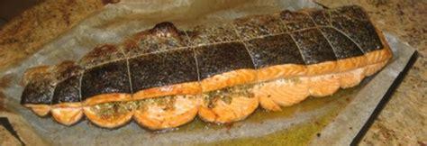 cuisiner un filet de saumon poisson farci aux herbes et cuit au four andre d 39 olerargues le de gérard laval