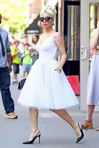 Dressing New York : lady gaga in marilyn monroe style dress new york city 05 24 2018 ~ Dallasstarsshop.com Idées de Décoration