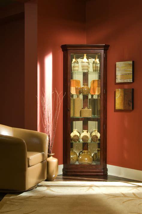 Pulaski Furniture Cherry Curio Cabinet by Pulaski Cherry Corner Curio Cabinet 20205