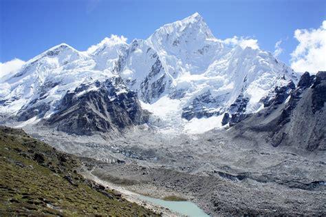 China To Blacklist Tourists Who Graffiti Mount Everest