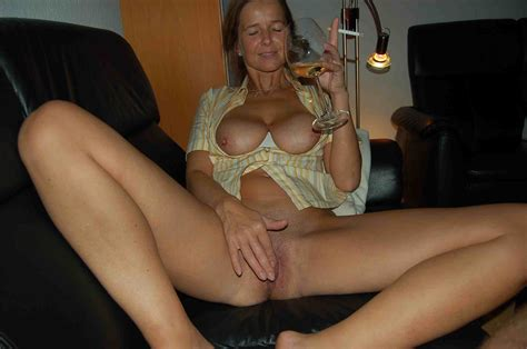 katrin 018.JPG in gallery German MILF Katrin (Picture 15) uploaded by Bernd49 on ImageFap.com