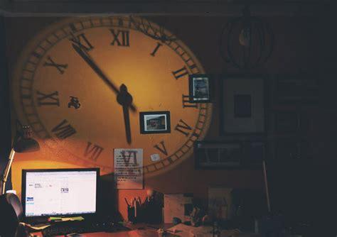 achetez en gros analogique horloge de projection en ligne 224 des grossistes analogique horloge de