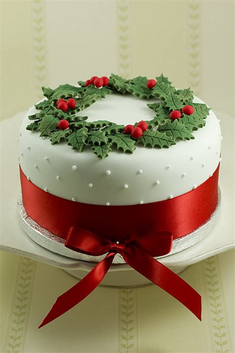11 awesome and easy christmas cake decorating ideas