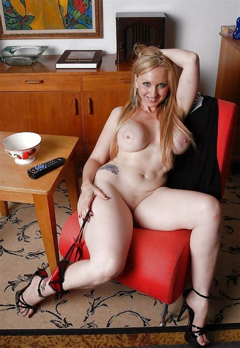 BUSTY SEXY HOT COUGARS MILFS I D LOVE TO FUCK