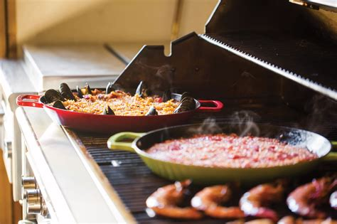 le creuset cast iron paella pan  cherry red cutlery