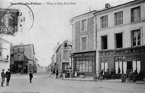 Neuville Du Poitou : photo neuville de poitou 86170 la grande place d but xxe si cle carte postale ancienne ~ Medecine-chirurgie-esthetiques.com Avis de Voitures