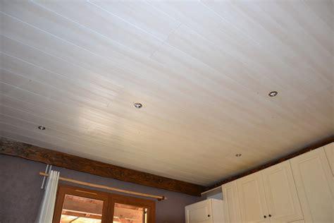 plafond pvc cuisine plafond en lambris pvc pour cuisine gconcept 39 r