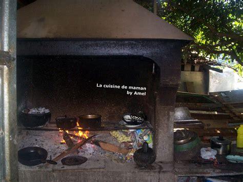 cuisine feu de bois la cuisine au feu de bois de maman album photos escale