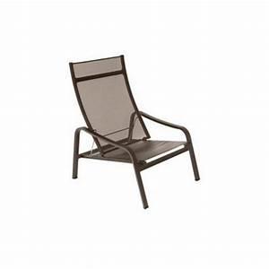 Fauteuil Bas De Jardin : acheter fauteuil bas de jardin aliz fermob fauteuils chaises et bancs meuble d 39 ext rieur me ~ Teatrodelosmanantiales.com Idées de Décoration