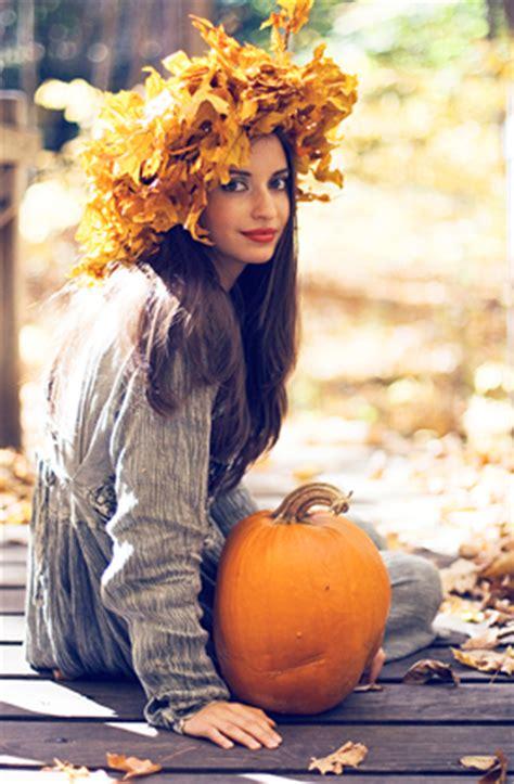 autumn photoshoot ideas portrait photographer ct photo studio portrait photography posing portrait photo