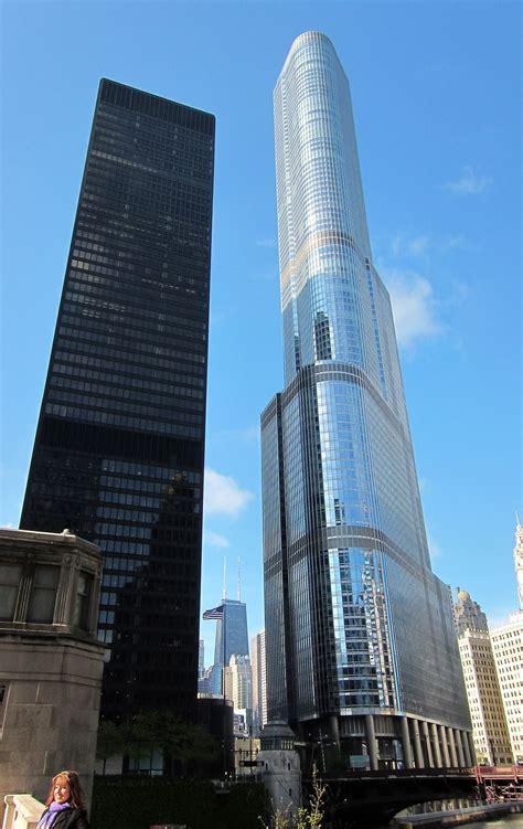 trump tower chicago google search chicago milwaukee city futuristic architecture chicago